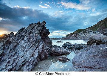 La costa de Cornwall rota
