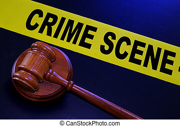 La escena del crimen y el martillo legal
