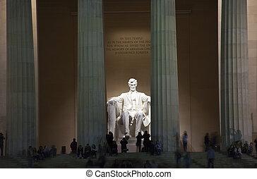 La estatua conmemorativa de Lincoln en Washington DC