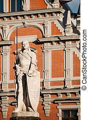 La estatua de Roland en el ayuntamiento de Riga, Letonia. Un famoso monumento