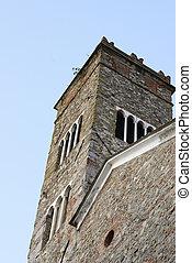 La fachada de una iglesia