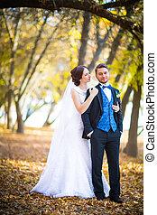 La fotografía de la boda es una pareja muy hermosa