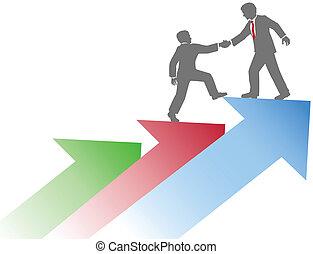 La gente de negocios ayuda a un equipo a tener éxito