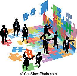 La gente resuelve problemas para iniciar negocios
