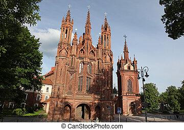 La iglesia de San Ana en Vilnius, Lituania