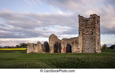 La iglesia medieval arruinada