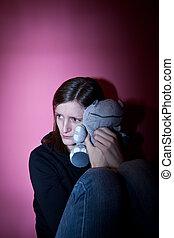 La joven sufre de una depresión severa