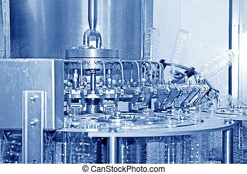 La línea de producción de agua mineral embotellada