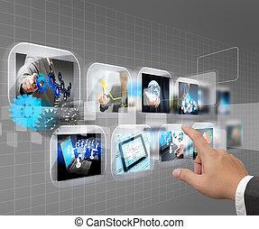 La mano empujando la interfaz de pantalla de contacto