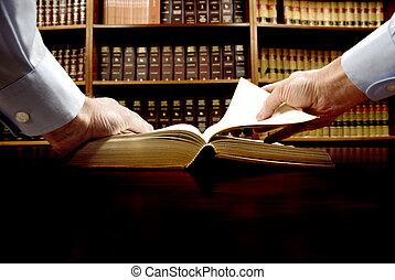 La mano en el libro