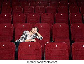 La mujer que duerme en el cine