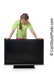 La niña se ve en televisión