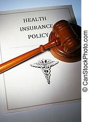 La póliza de seguro médico y el código de la ley