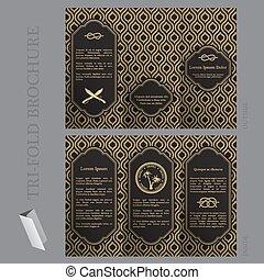 La plantilla de folletos triples con elementos náuticos