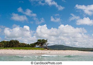 La playa abandonada en el fuerte Vieux