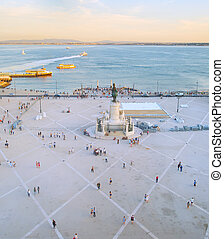 La plaza comercial. Lisboa, Portugal