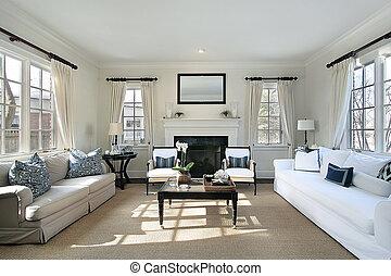 La sala de estar en una casa de lujo
