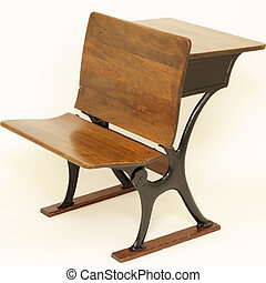 La silla de la escuela y el escritorio