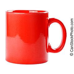 La taza roja está vacía para café o té aislado en blanco