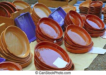 La tienda de cerámica de arcilla tradicional