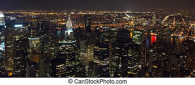 La vista aérea de Times Square por la noche
