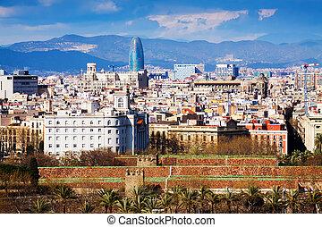 La vista del viejo distrito en Barcelona