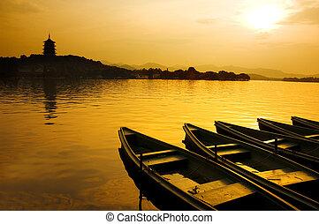 Lago oeste en China