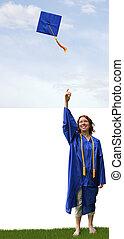 Lanza el sombrero de graduación