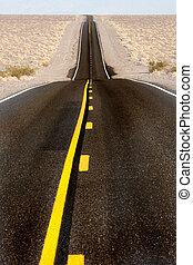 Largo camino del desierto