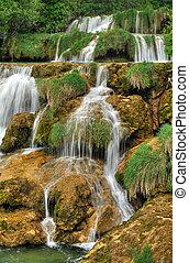 Las cascadas del río Krka en el parque nacional de Krka, roski, croatia
