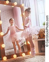 Las chicas sueñan con convertirse en bailarina