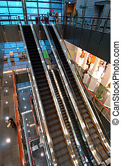 Las escaleras mecánicas del centro de entretenimiento