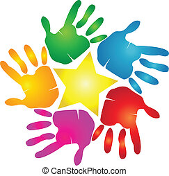 Las manos con logotipo estrella