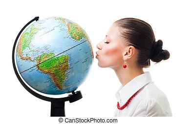 Las mujeres muestran amor al planeta