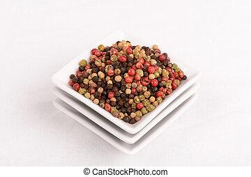 Las uvas de pimienta de color producen fragante.