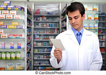 Lectura farmacéutica en la farmacia