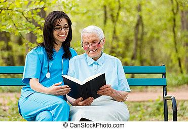 Leyendo con paciente