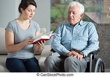 Libro de lectura de asistentes de cuidados superiores