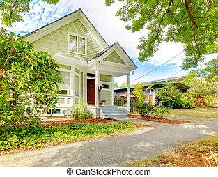 lindo, casa, pequeño, norteamericano, verde, white., artesano, wth