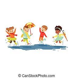 Lindos niños sonrientes saltando y chapoteando a través de los charcos, chicos y chicas jugando en el vector de Ilustración de la lluvia de dibujos animados