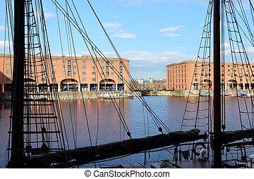 Liverpool, Albert