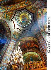 lnterior de la iglesia ortodoxa