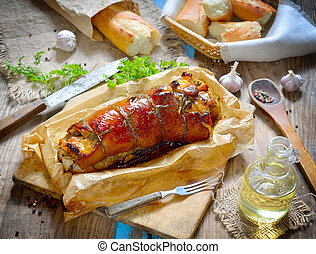 Lomo de cerdo relleno en el tablero.