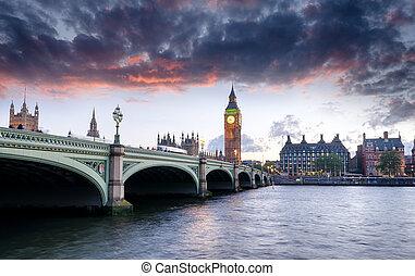 Londres al atardecer