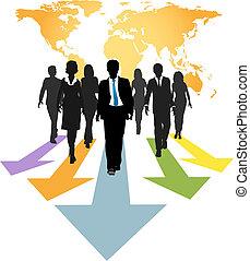 Los empresarios globales avanzan flechas