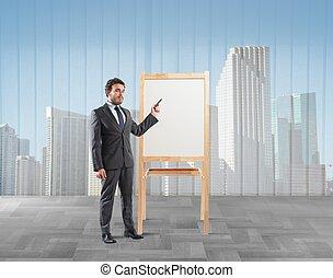 Los empresarios muestran y explican