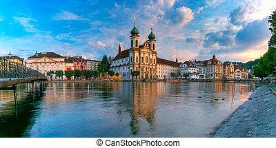Lucerne al atardecer, Suiza