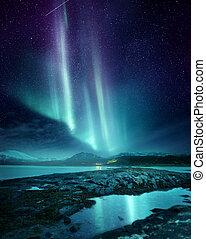 Luces del norte aurora sobre el norte de Noruega