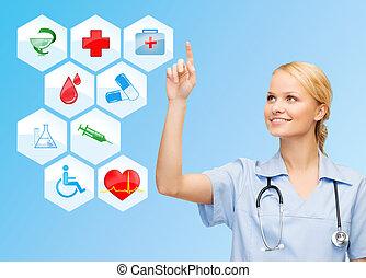 Médico sonriente sobre íconos médicos de fondo azul