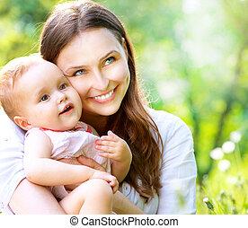 madre, bebé, outdoors., naturaleza, hermoso